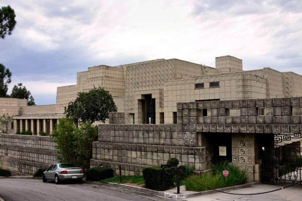 Ennis_House_front_view_2005