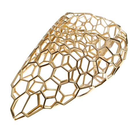 Nova linha de joias de Zaha Hadid