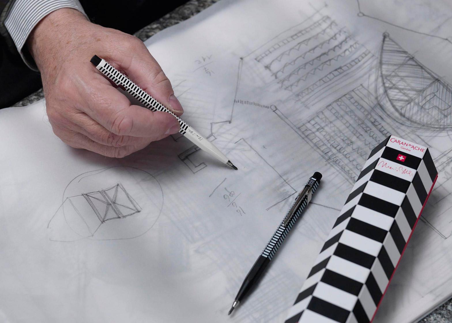 Mario Botta cria sua linha de lápis e canetas para projetos.